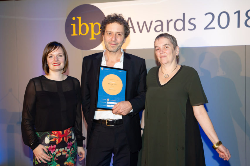"Dezeen wins two IBP awards and is praised for ""great journalism"""