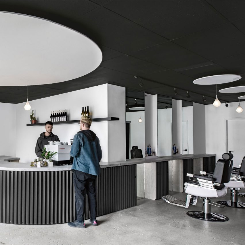 Juice salon and cafe by StudioAC