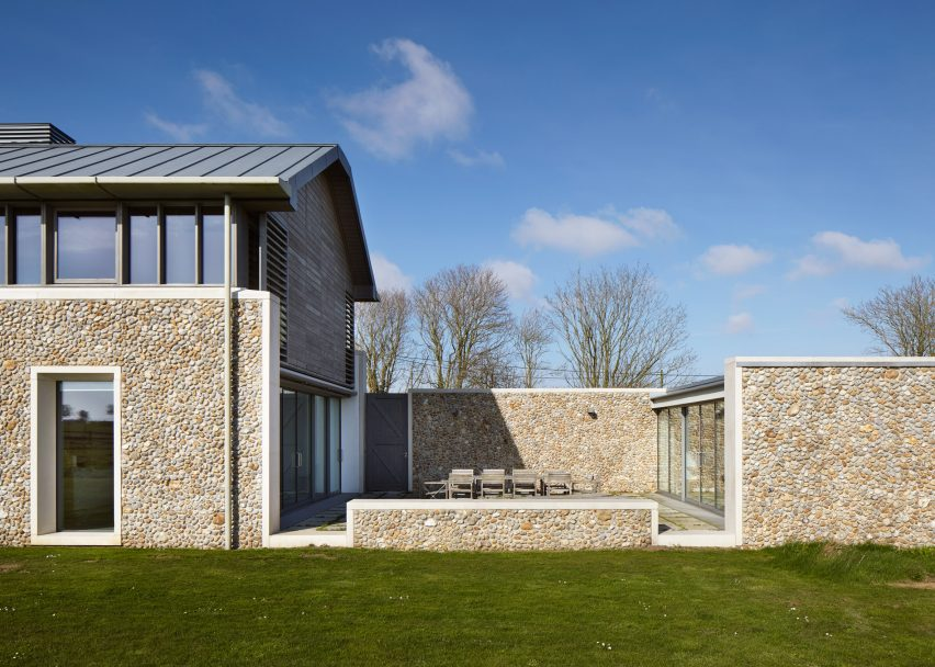 Long House by Hopkins Architects