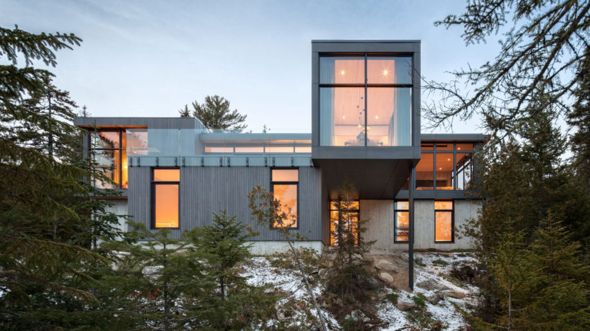 Long Horizontals by Thellend Fortin Architectes