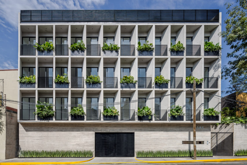 MX581 Mexico City housing by HGR Arquitectos