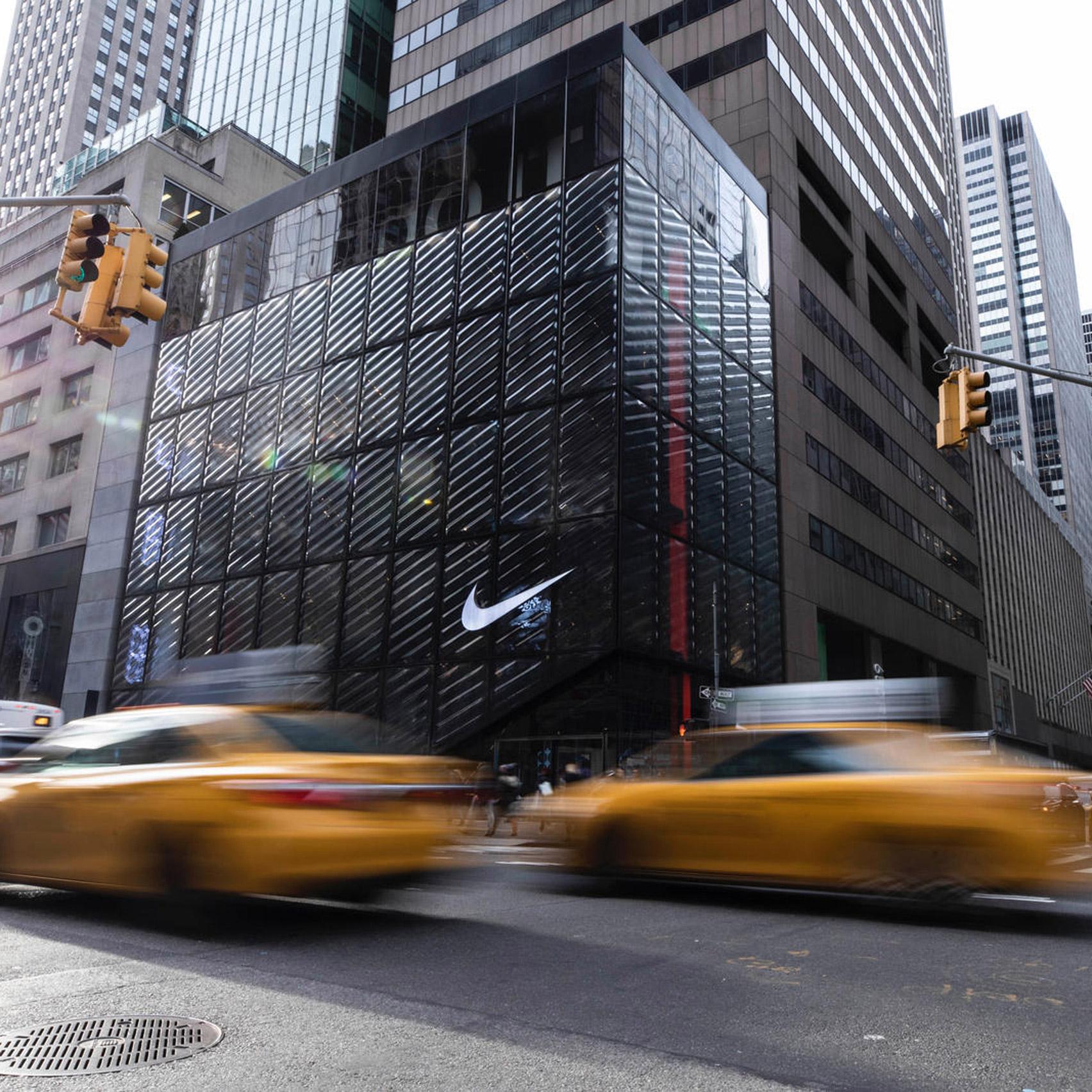 Interminable conservador Velas  Nike flagship aims to disrupt New York's