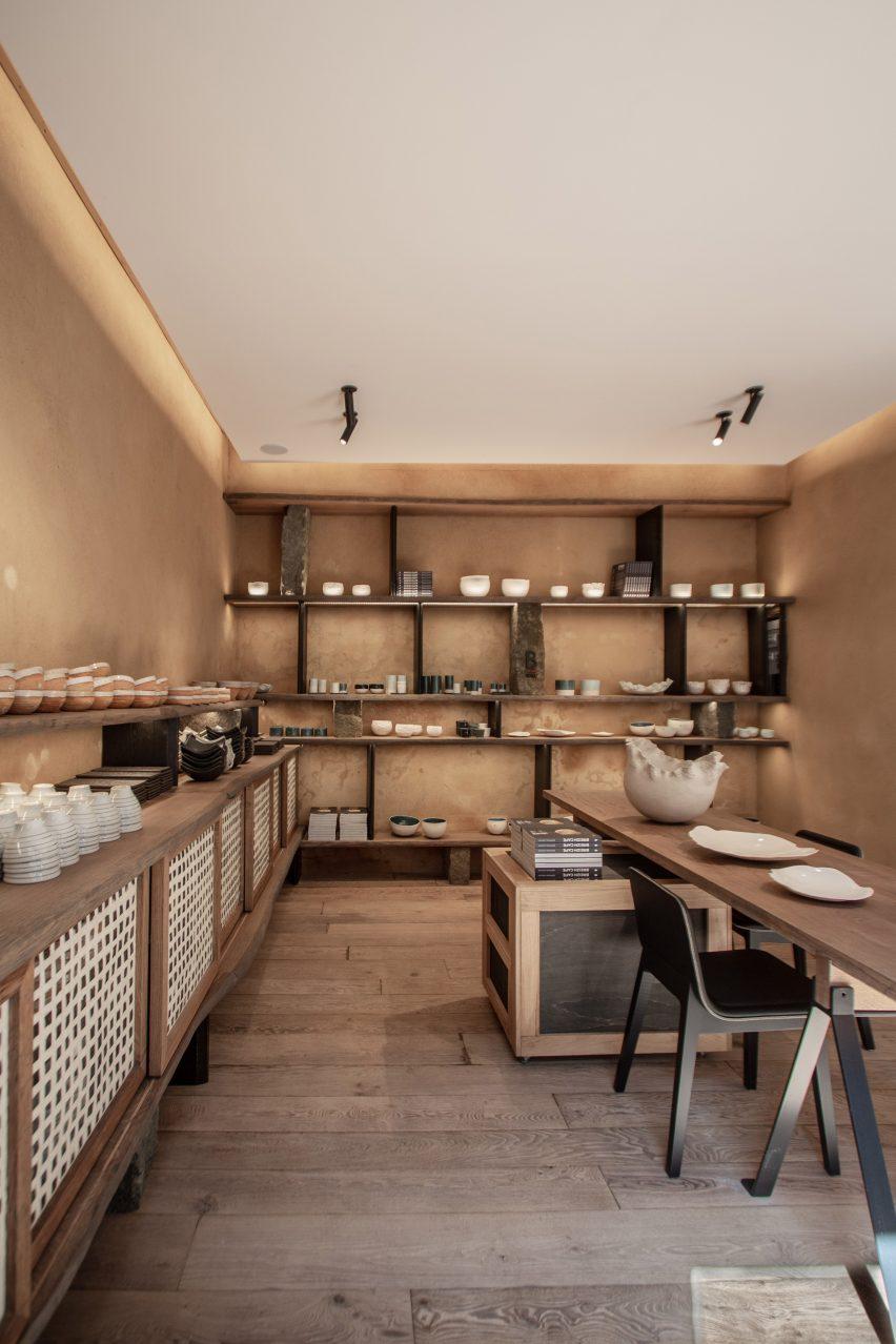 Otonali restaurant and B-Raku ceramics store by Guillaume Terver