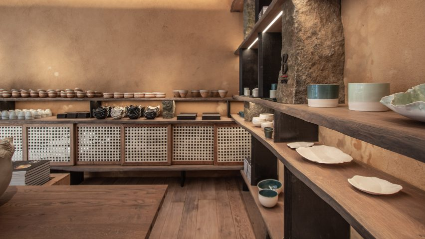 Otonali restaurant and B-Raku ceramics store by Guillaume Terver