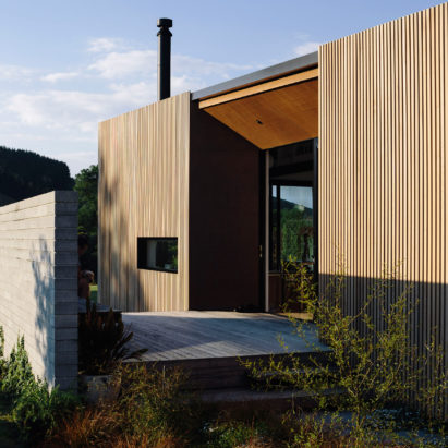 River Retreat by Edwards White Architects