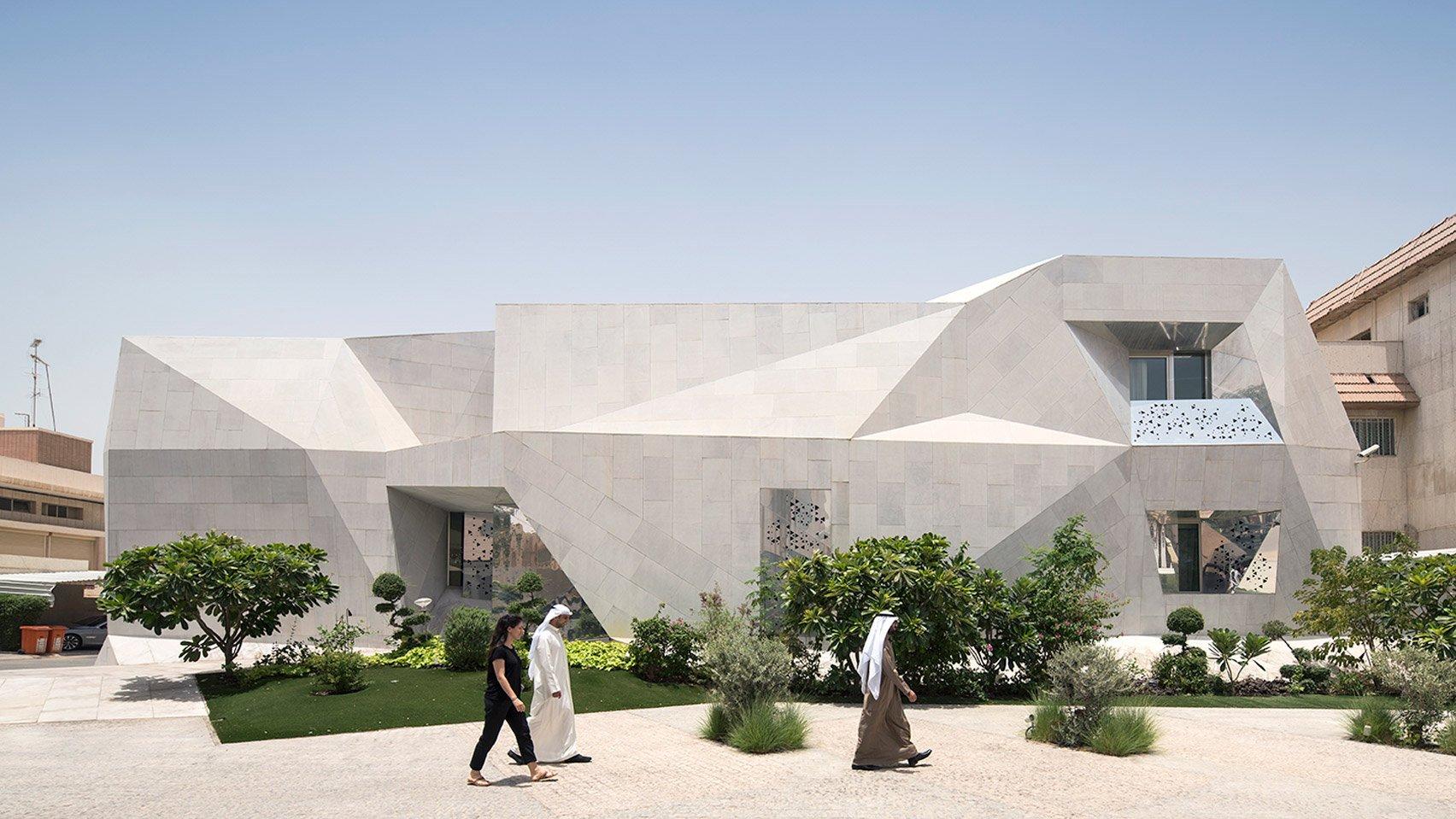 Rock House с «оригами» фасадом