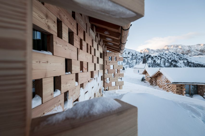 Zallinger Retreat by Network of Architecture (NOA) in Tyrol, Italy