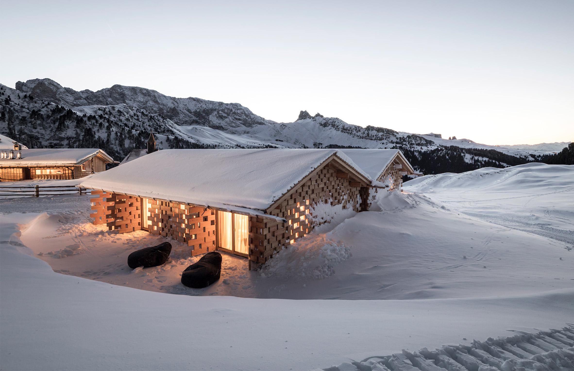 Альпийские шале от NOA по тирольской технологии