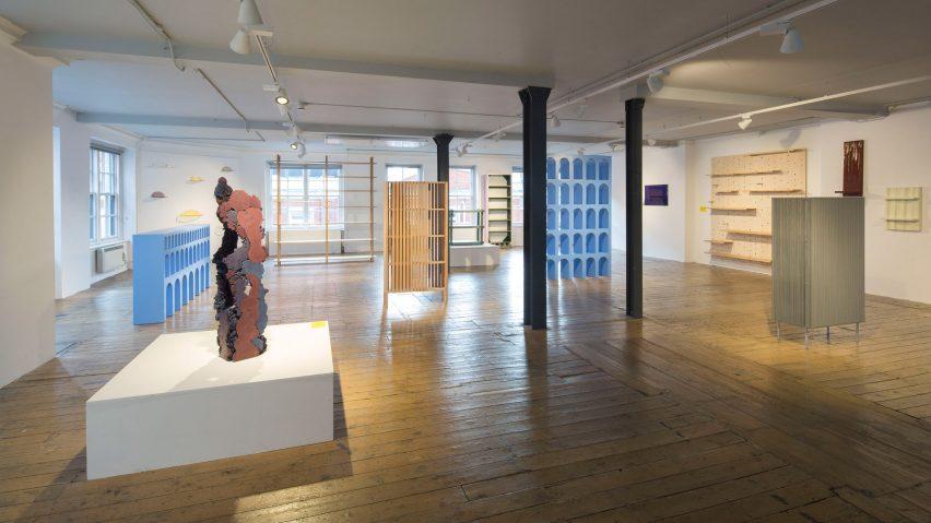 The Aram Gallery 12 Shelves