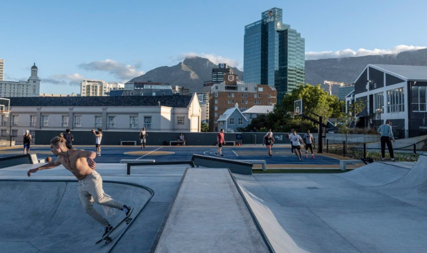 Battery Park, Cape Town, by DHK