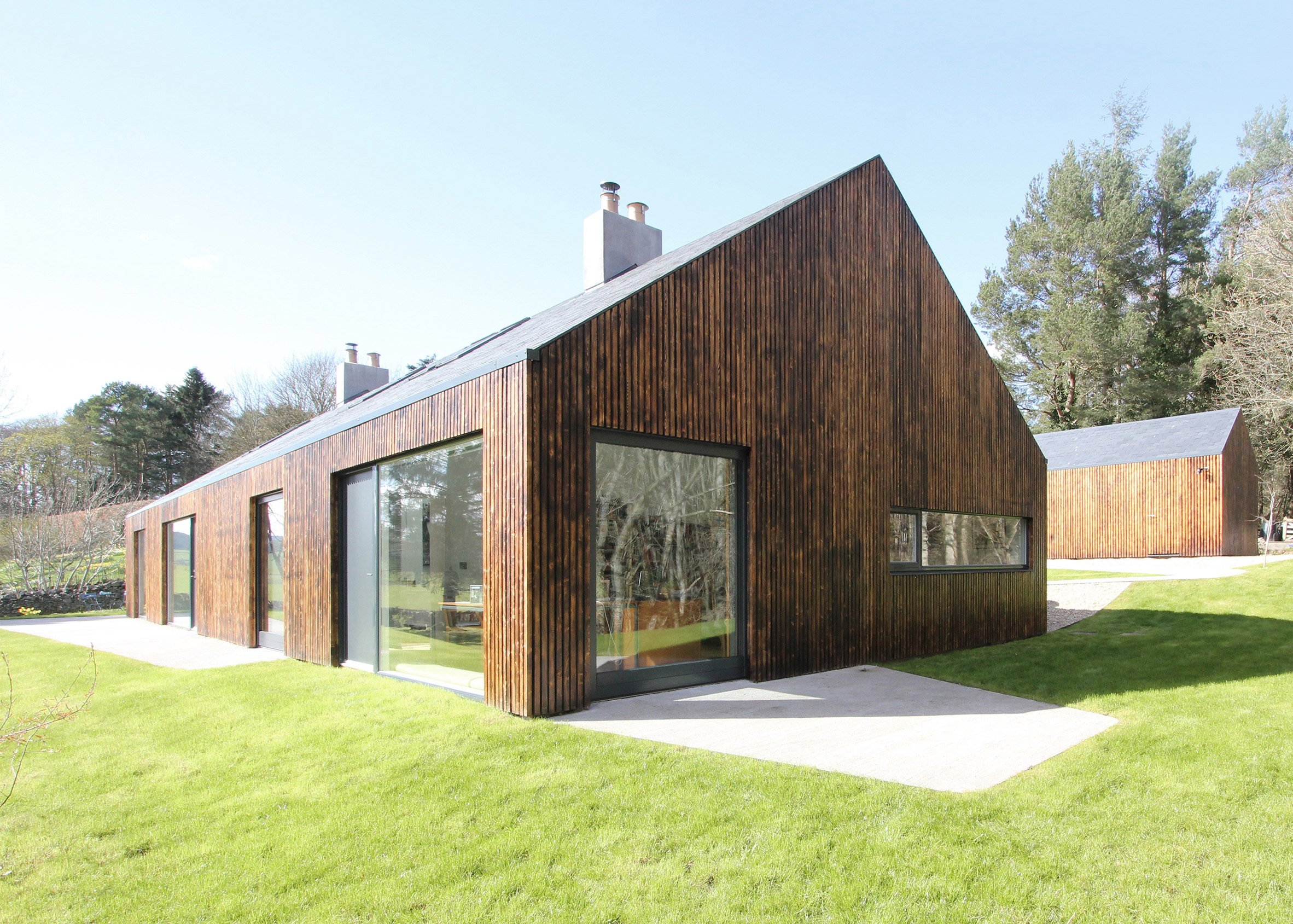 Blakeburn Cottage by A449
