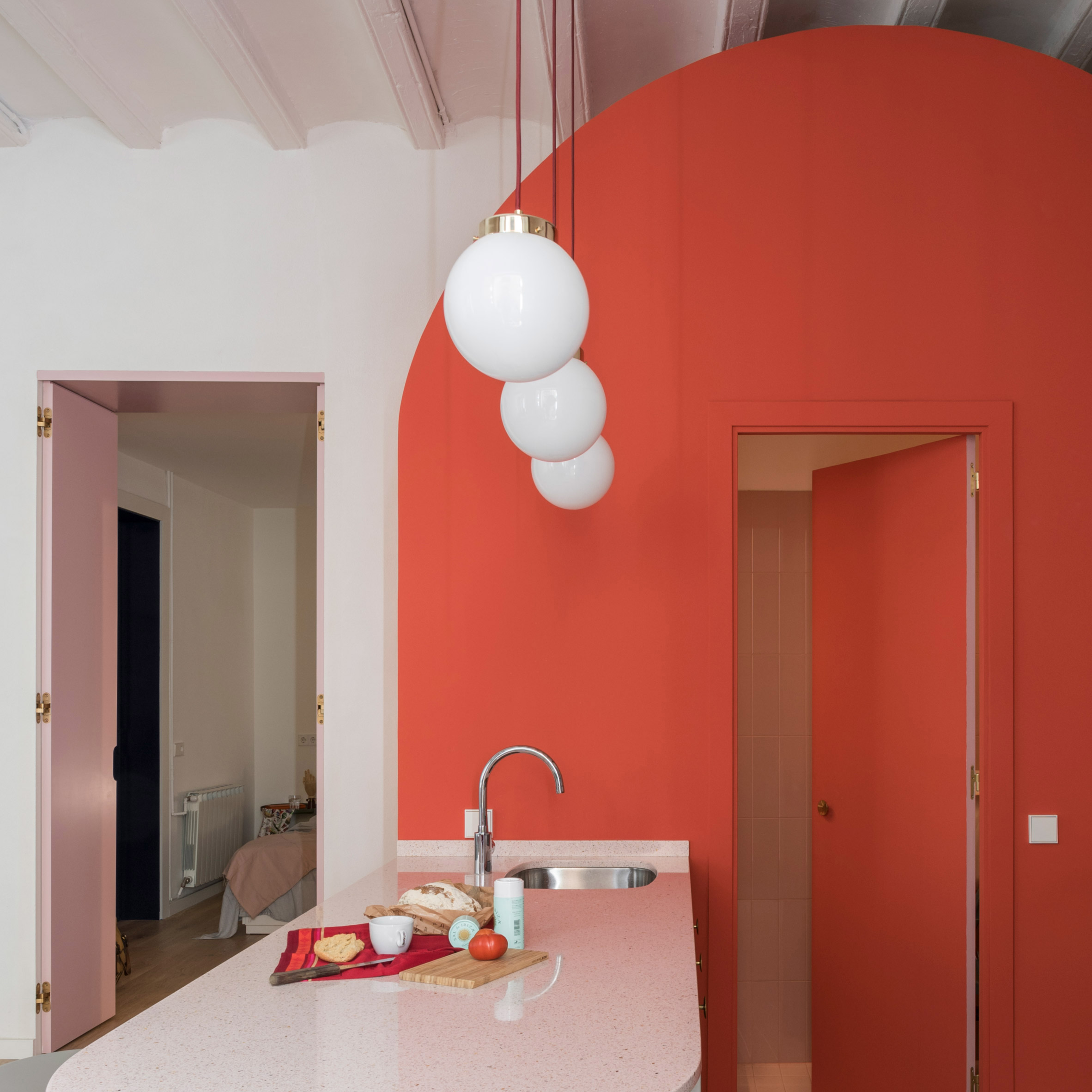 The best coral interiors: Apartment in Born by Colombo and Serboli Architecture