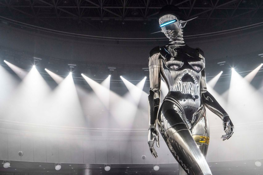 Dior commissioned Hajime Soramaya to build a 12 metre tall sculpture of a robot