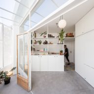 Tiny El Camarin apartment by IR Arquitectura