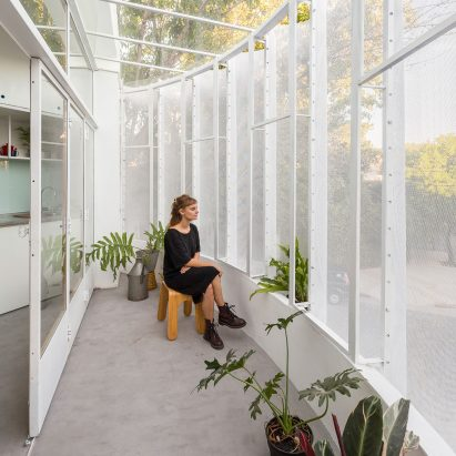 Tiny El Camarin apartment by IR Arquitectura