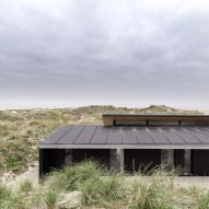 Knud Holscher celebrates Danish craft with summer house on Fanø island