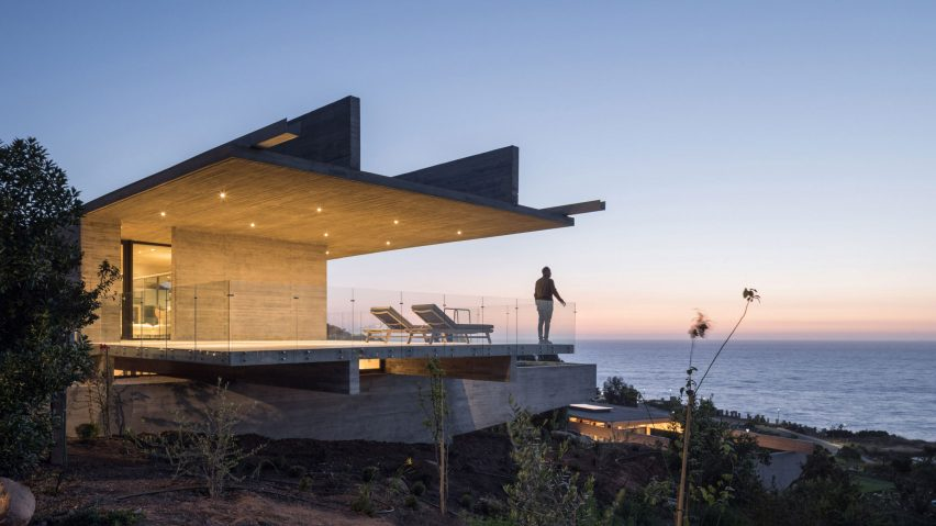 H House, Chile, by Felipe Assadi Arquitectos