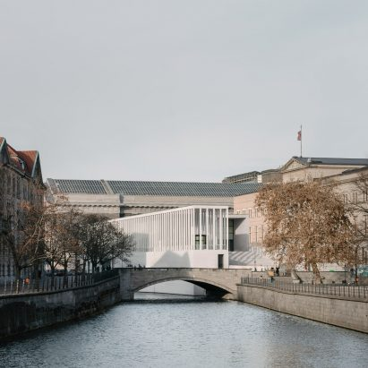 james-simon-galerie-david-chipperfield-simon-menges_dezeen_2364_col_2