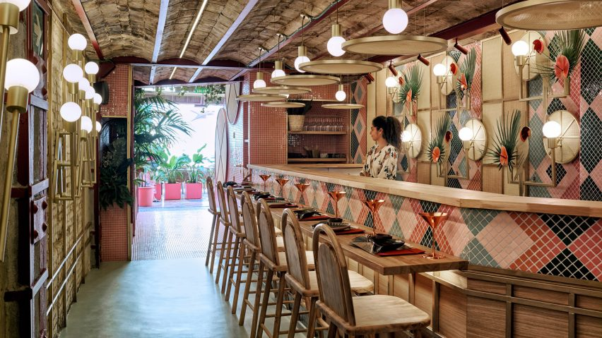 Tropical Sushi Restaurant In Valencia Fuses Japanese And