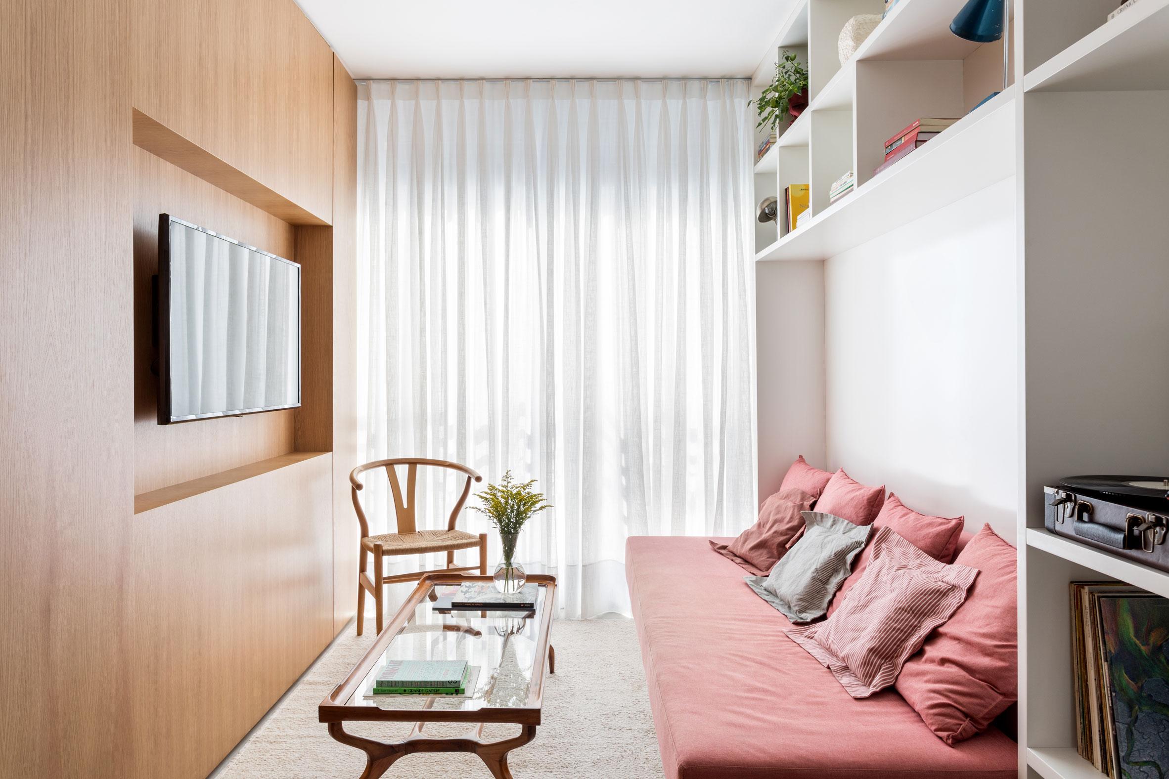 Sao Francisco apartment renovation by Leandor Garcia