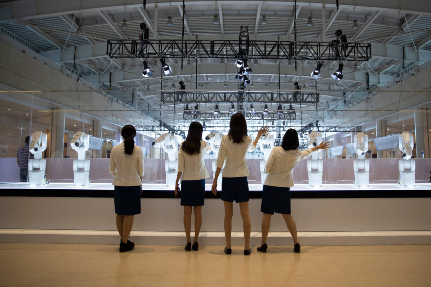 Madeline Gannon's Manus robot installation at the World Economic Forum in China