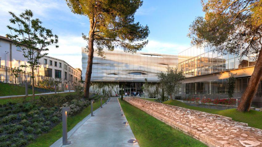 Musée de la Romanité of Nîmes by Elizabeth de Portzamparc