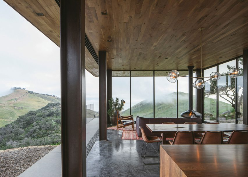 Off-Grid Guest House by Anacapa Architecture and Willson Design