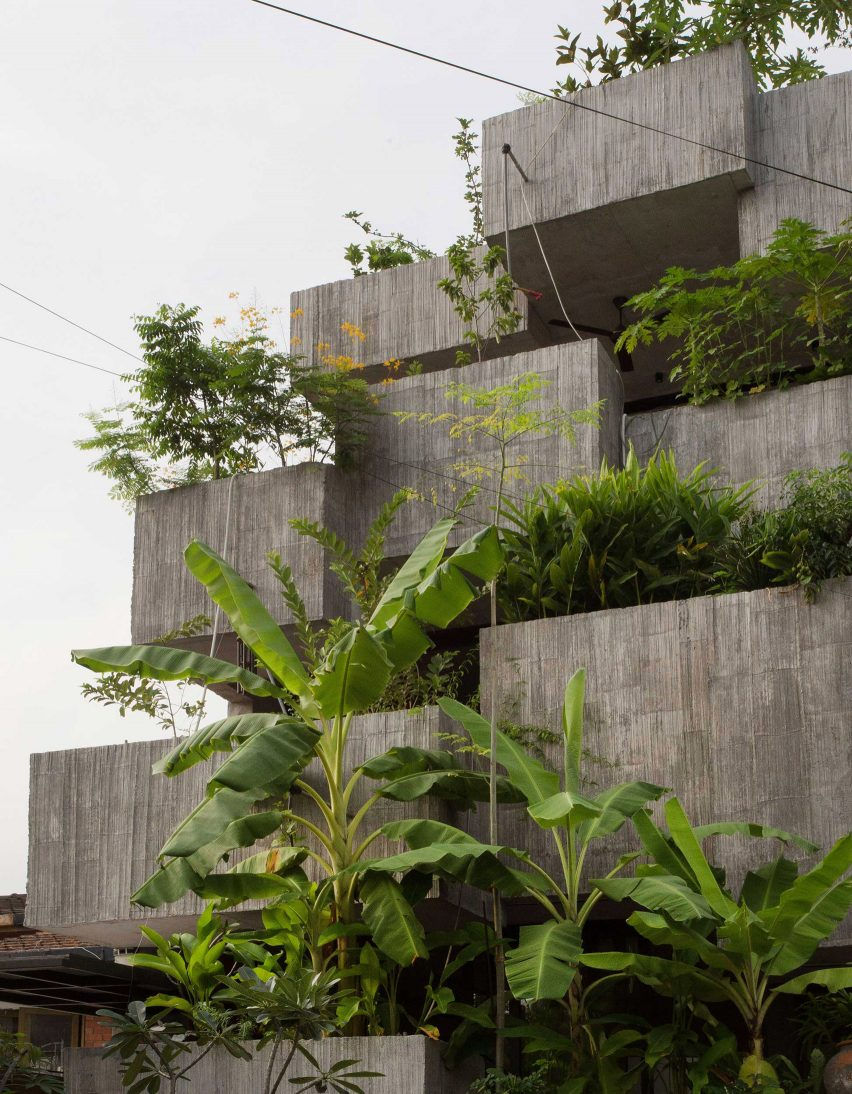 Facade of Planter Box House in Kuala Lumpur by Formzero