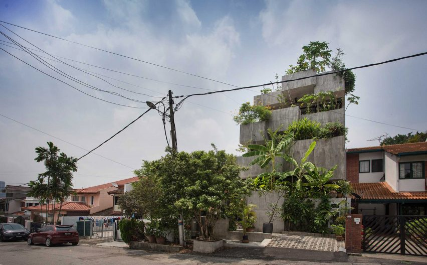 Exterior of Planter Box House in Kuala Lumpur by Formzero