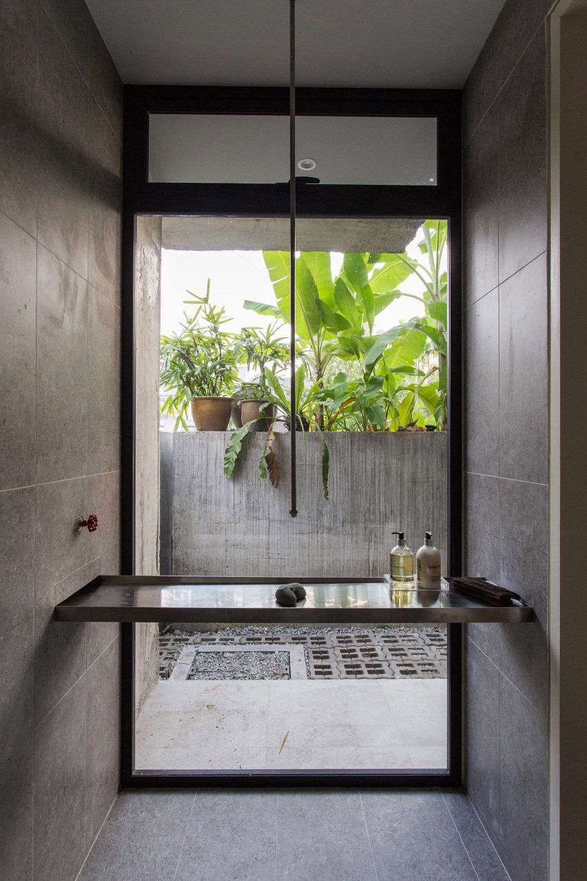 Bathroom of Planter Box House in Kuala Lumpur by Formzero