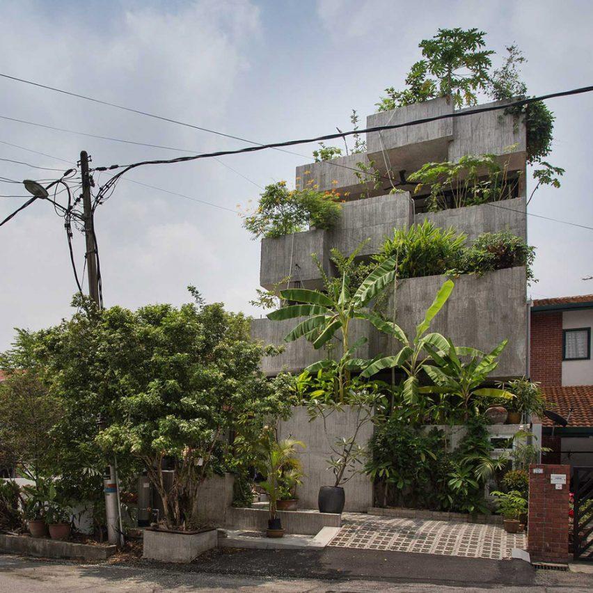 Planter Box House in Kuala Lumpur by Formzero