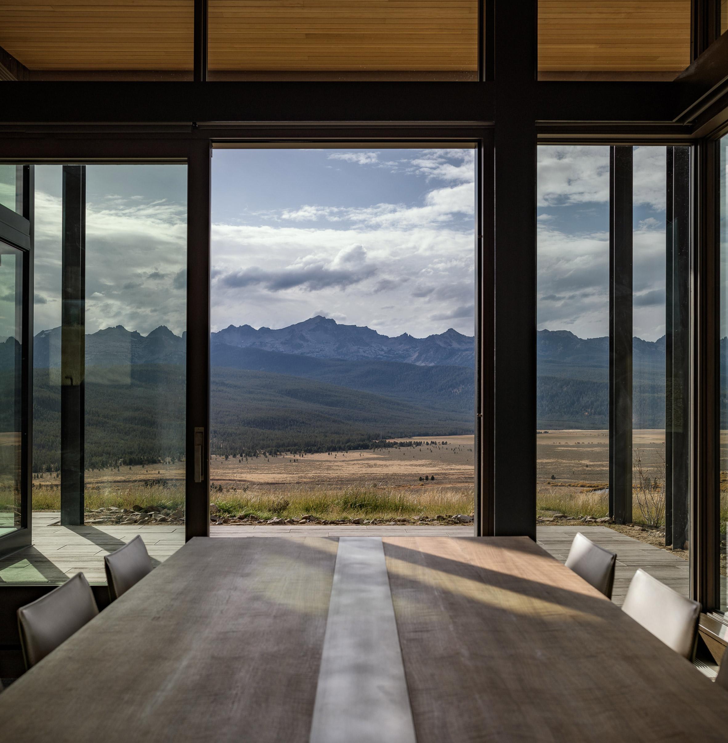 Shaw Mesa Residence by Michael Doty Associates