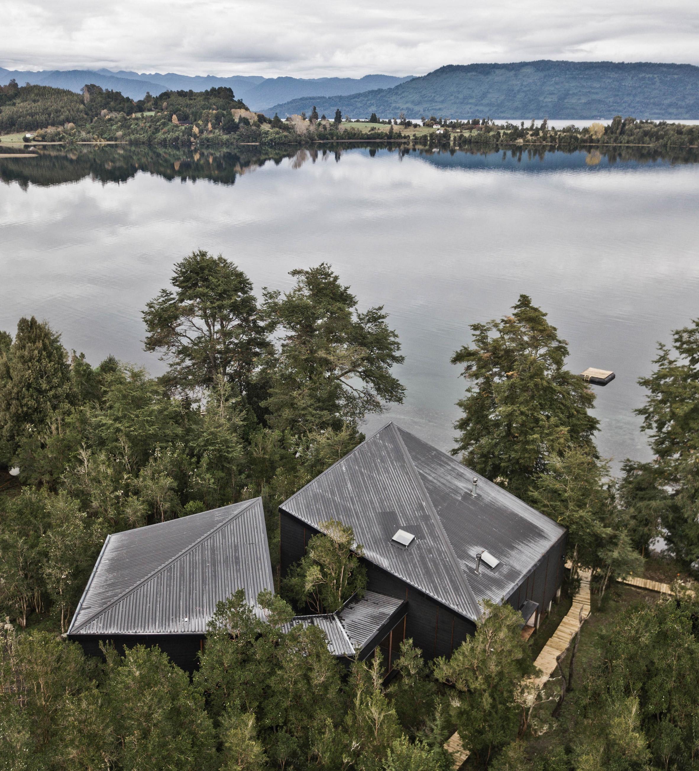 Split House lakeside retreat in Chile by Hsu Gabriel Architects