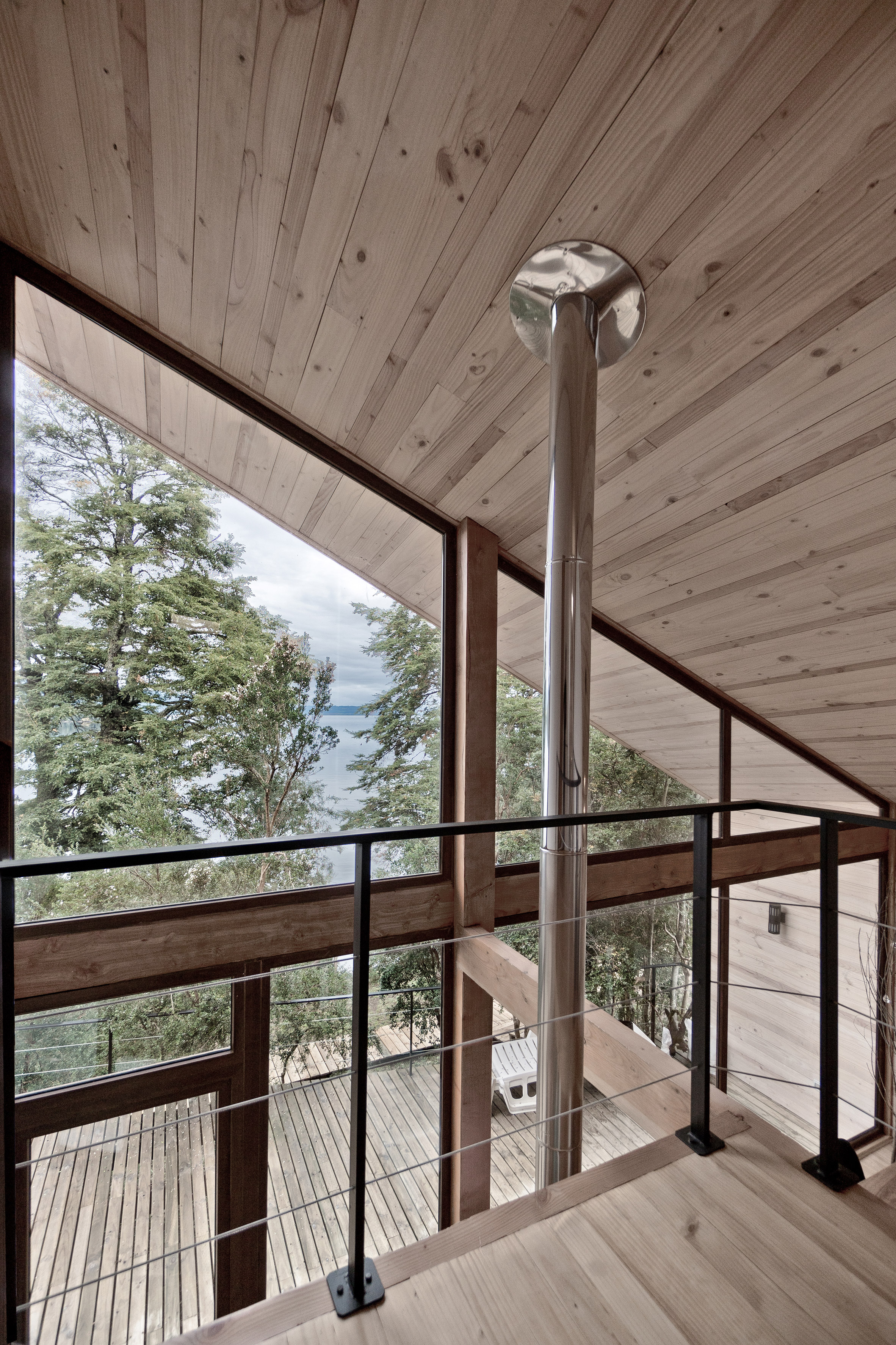 Split House by Hsu Gabriel Architects