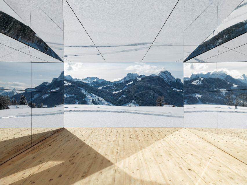 Doug Aitken Gstaad instalación de la casa de espejo