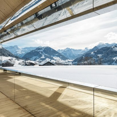 Doug Aitken Gstaad mirrored house installation