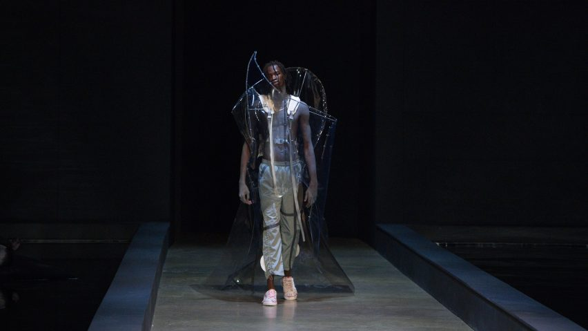 Plastic fashion LFMW