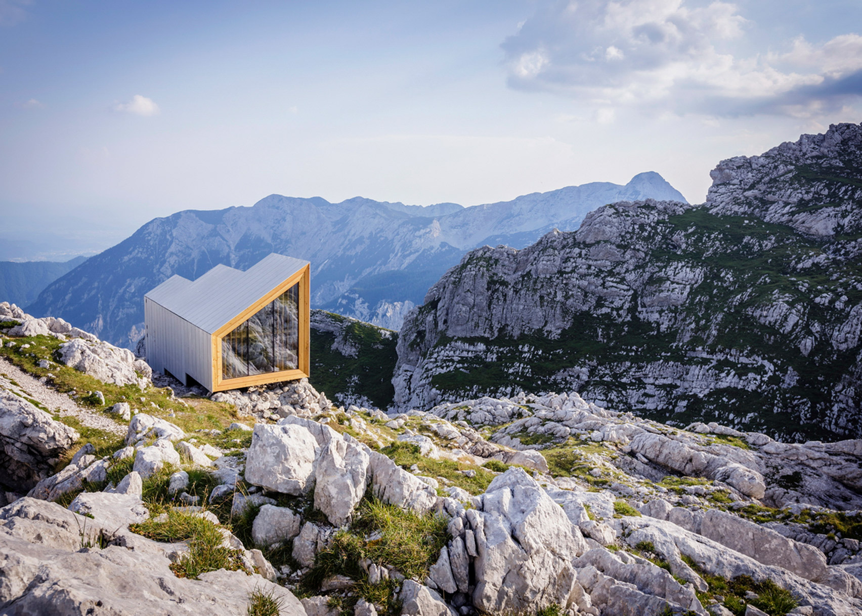 Alpine Shelter Skuta by Ofis