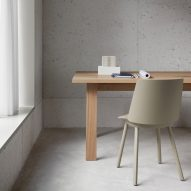 "David Chipperfield develops ""casual"" desk system for e15"