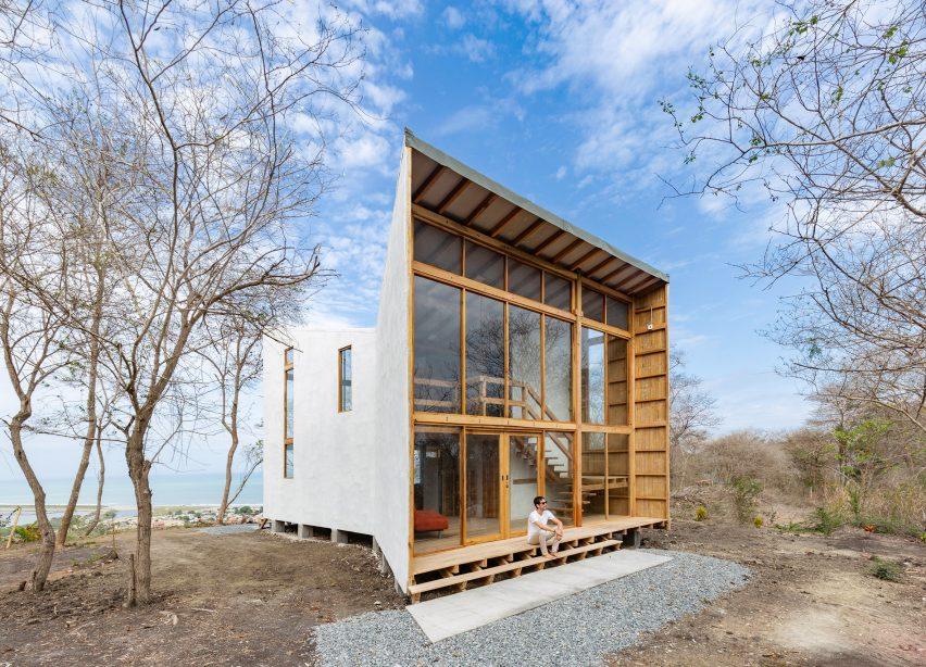 Don Juan House by Emilio Lopez
