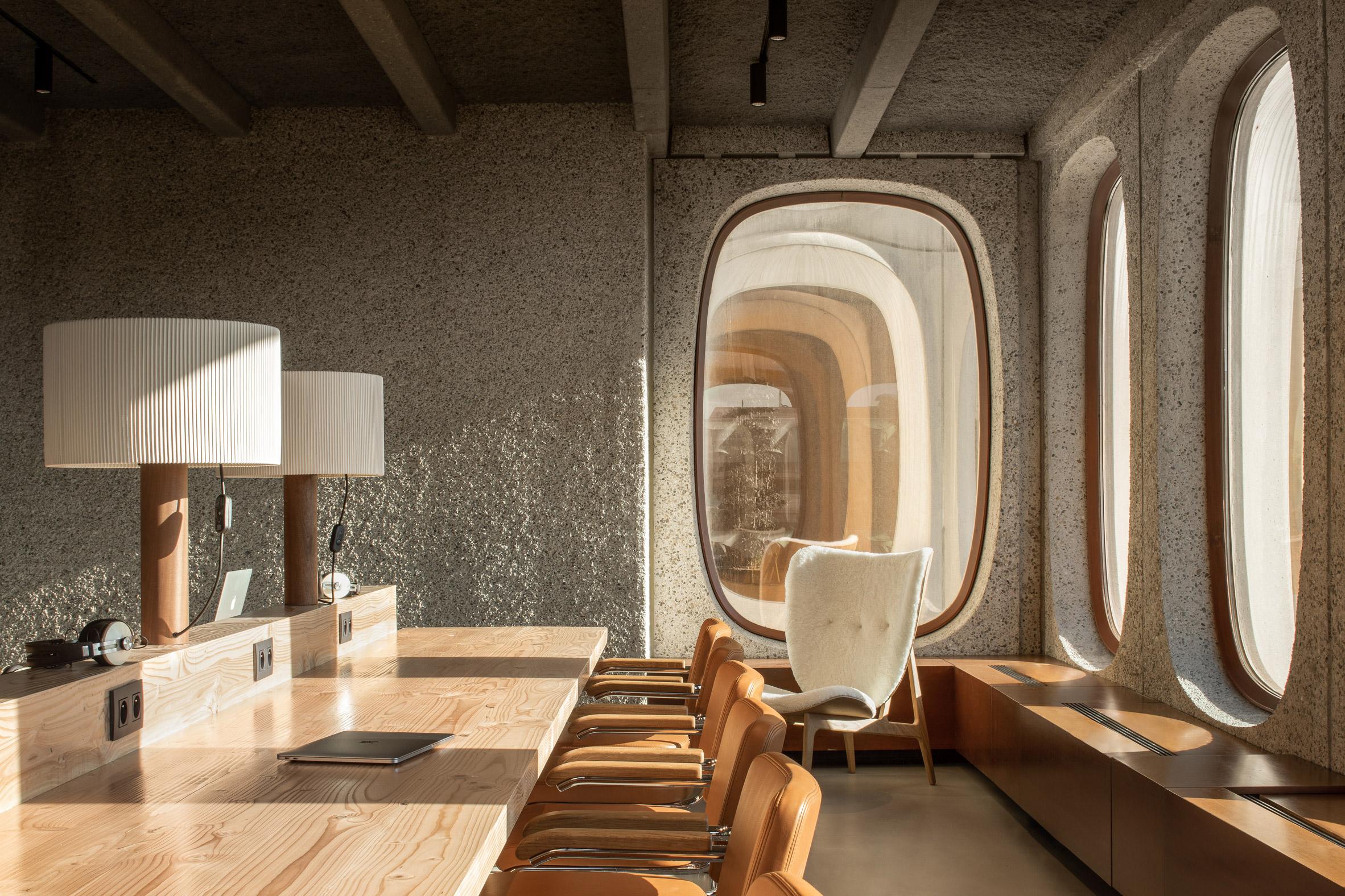 Модернистское здание превращается в современный офис