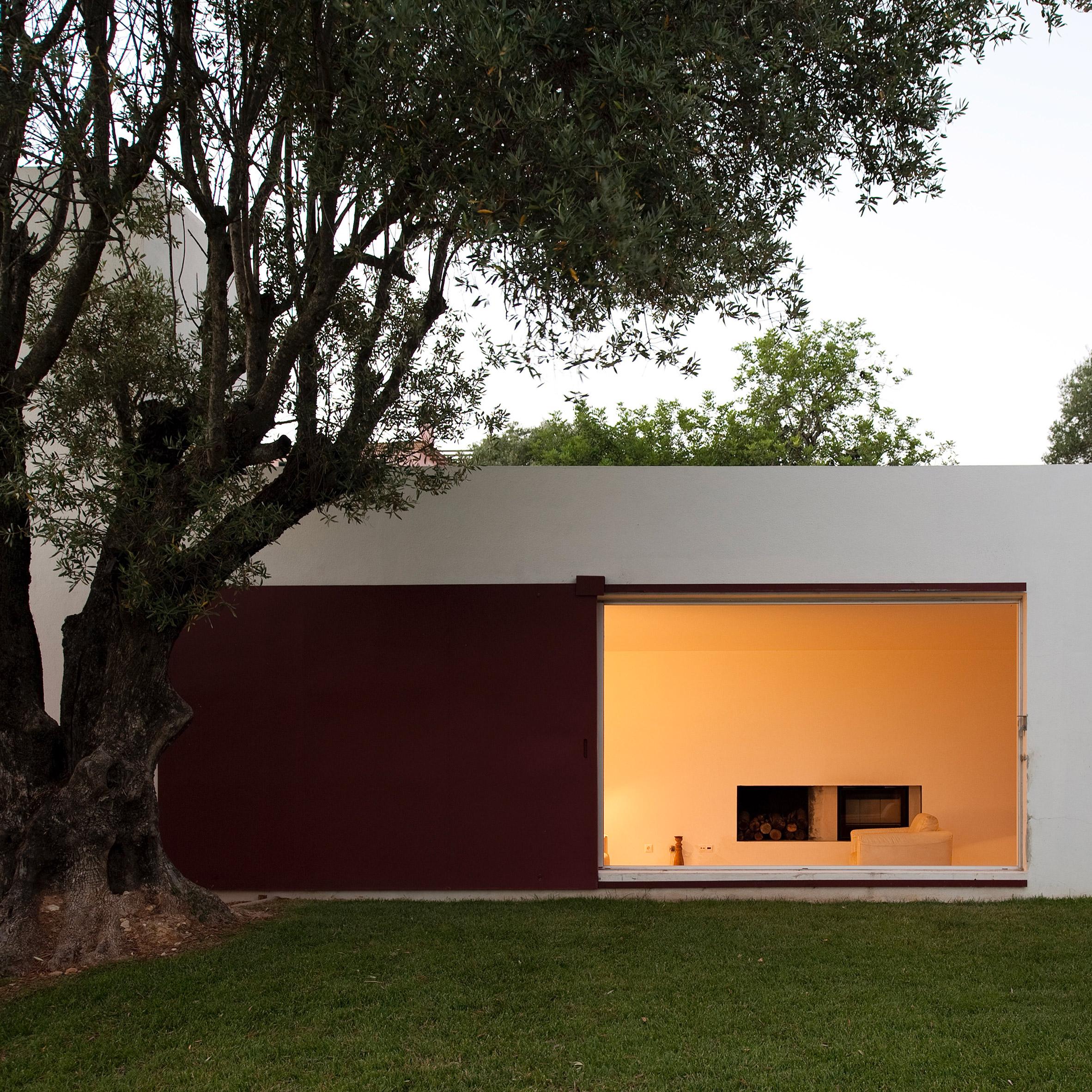 Urlaub Architektur's Holiday Architecture book roundup: Casa Agostos by Pedro Domingos