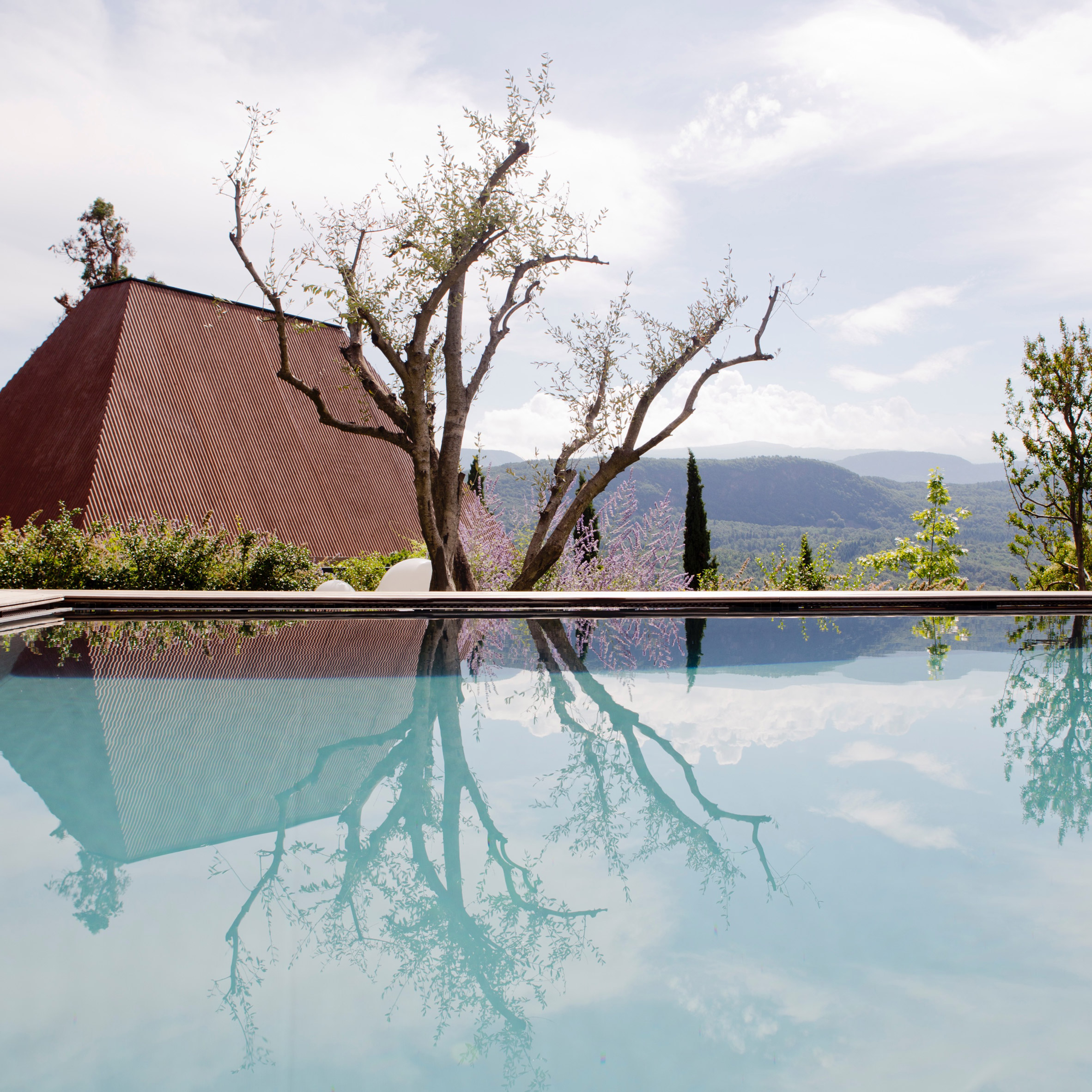Urlaub Architektur's Holiday Architecture book roundup: Villa Baronessina by Walter Agonese and Manfred Alois Mayr