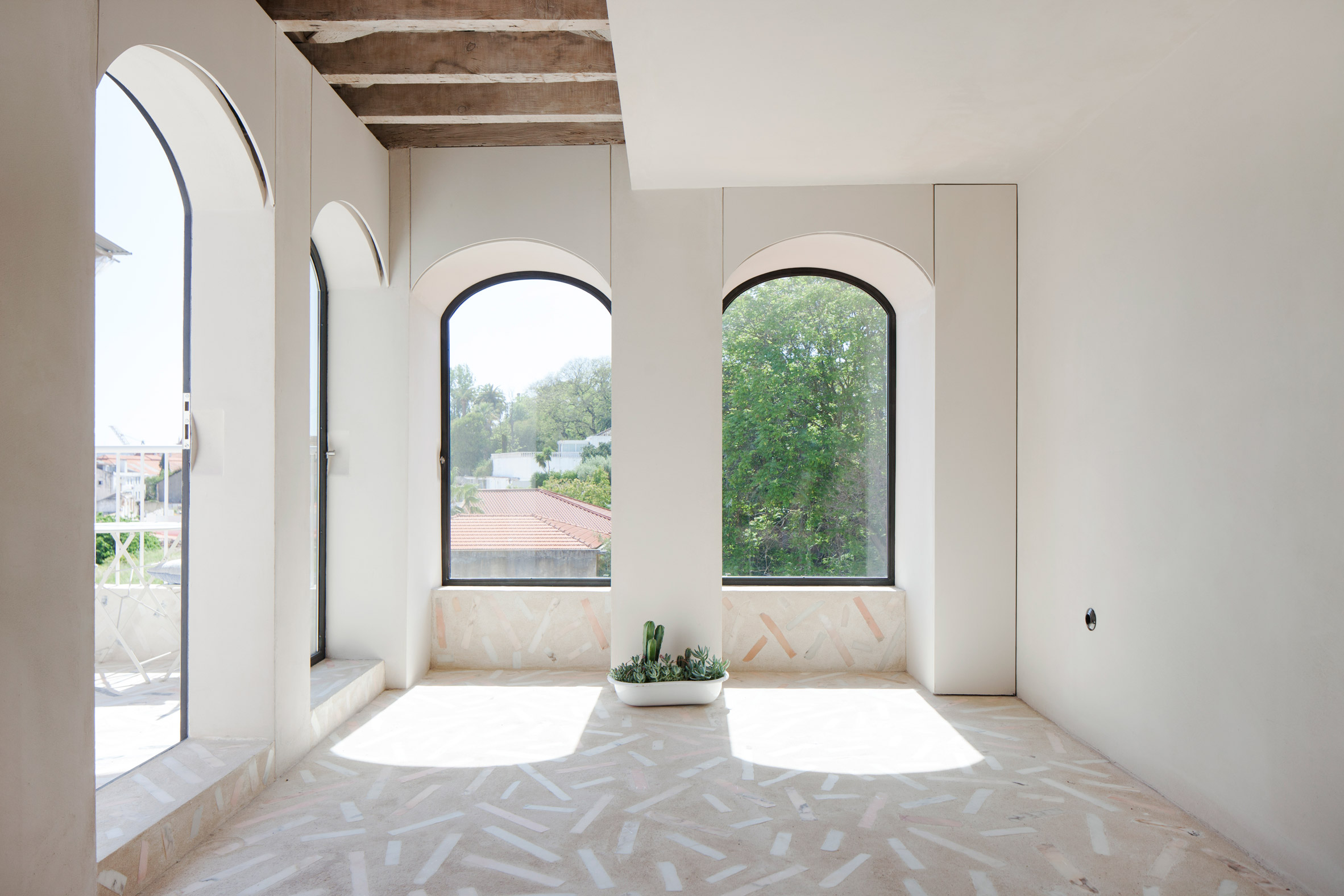 Studio Gameiro Keeps Time Worn Details In Overhaul Of 19th Century Lisbon Apartment Free Autocad Blocks Drawings Download Center