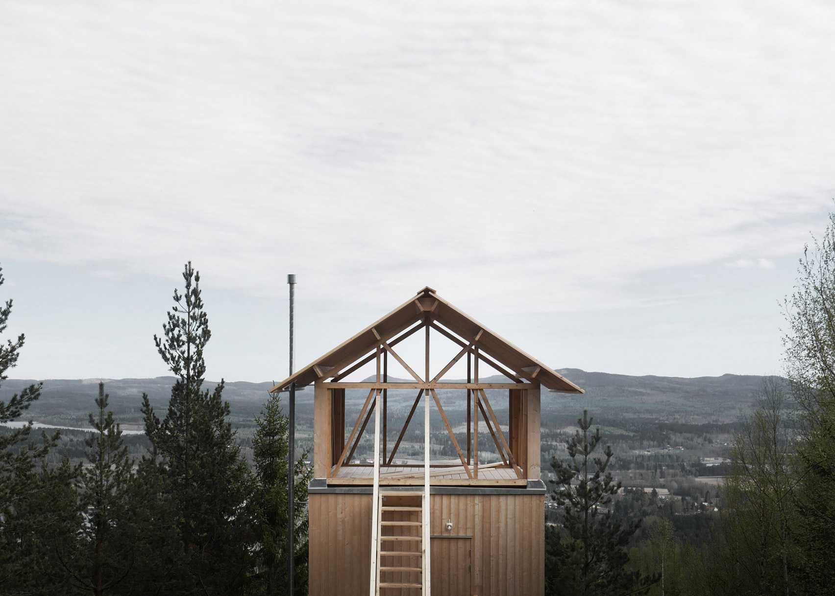 Lofthuset by Hanna Michelson
