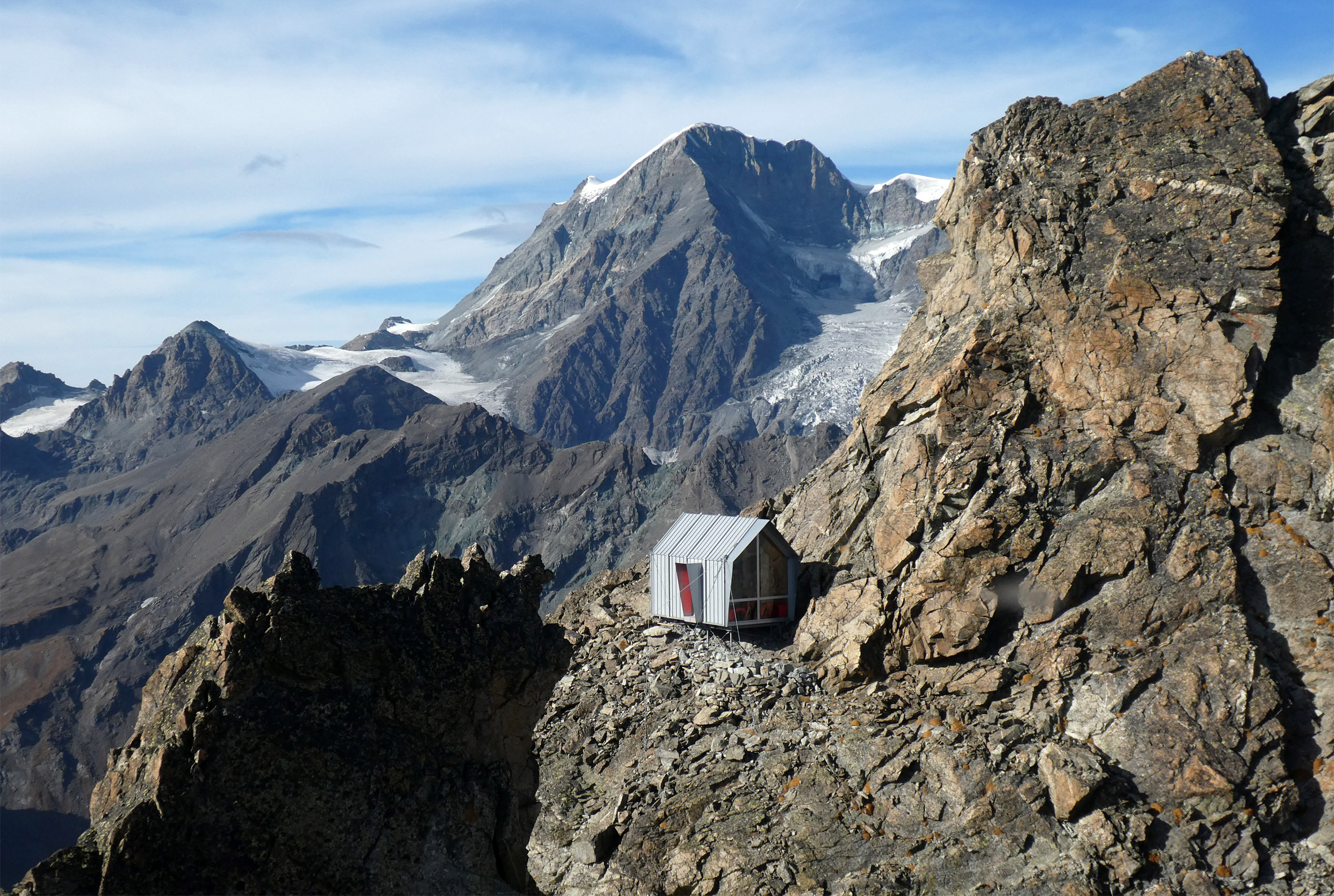 Bivouac Luca Pasqualetti by Roberto Dini and Stefano Girodo in the Italian Alps