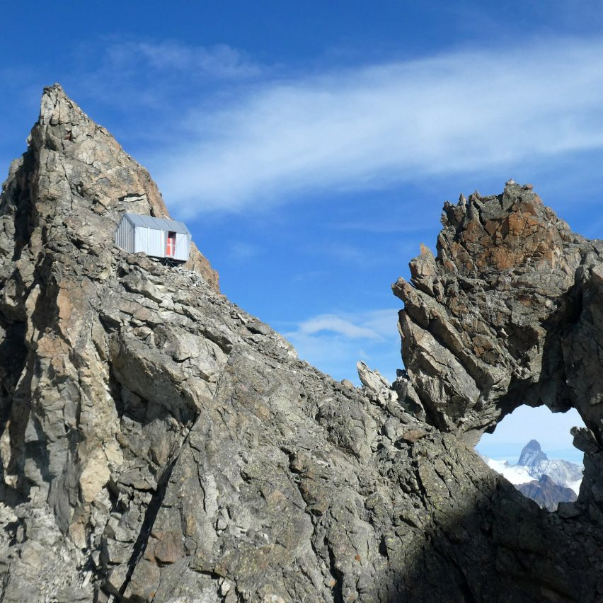 Bivouac Luca Pasqualetti by Roberto Dini and Stefano Girodo in the Italian Alps