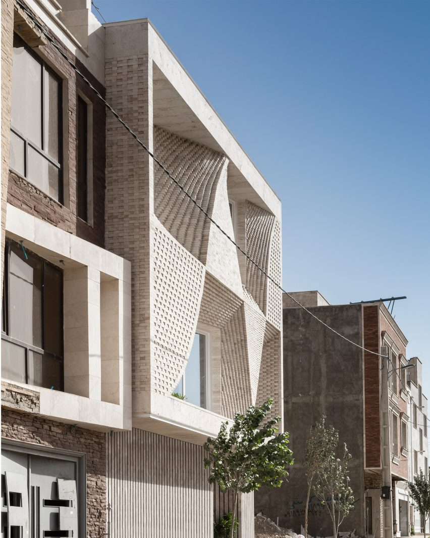 Mahallat residential building by CAAT Studio