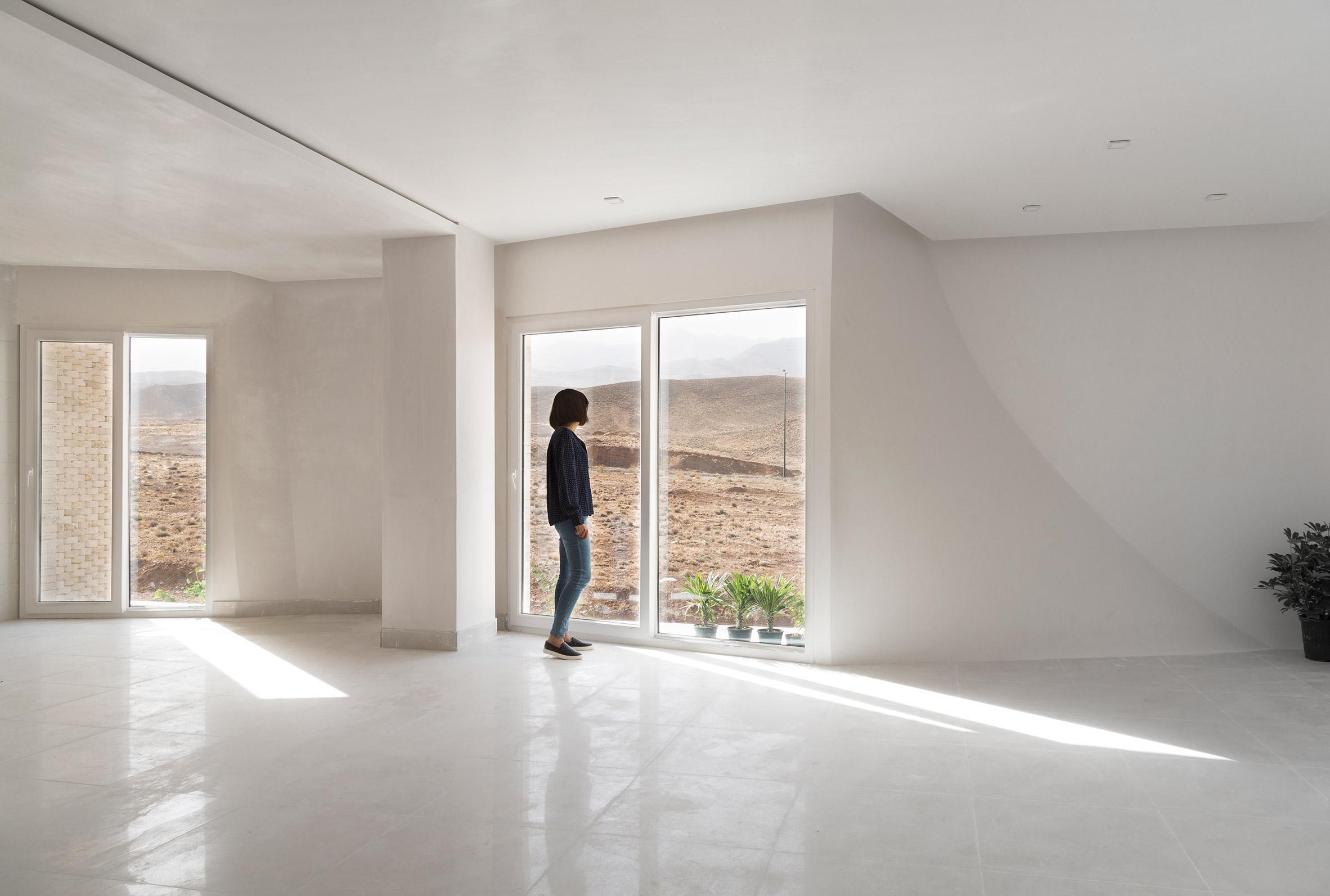 Mahallat residential building by CAAT Studio