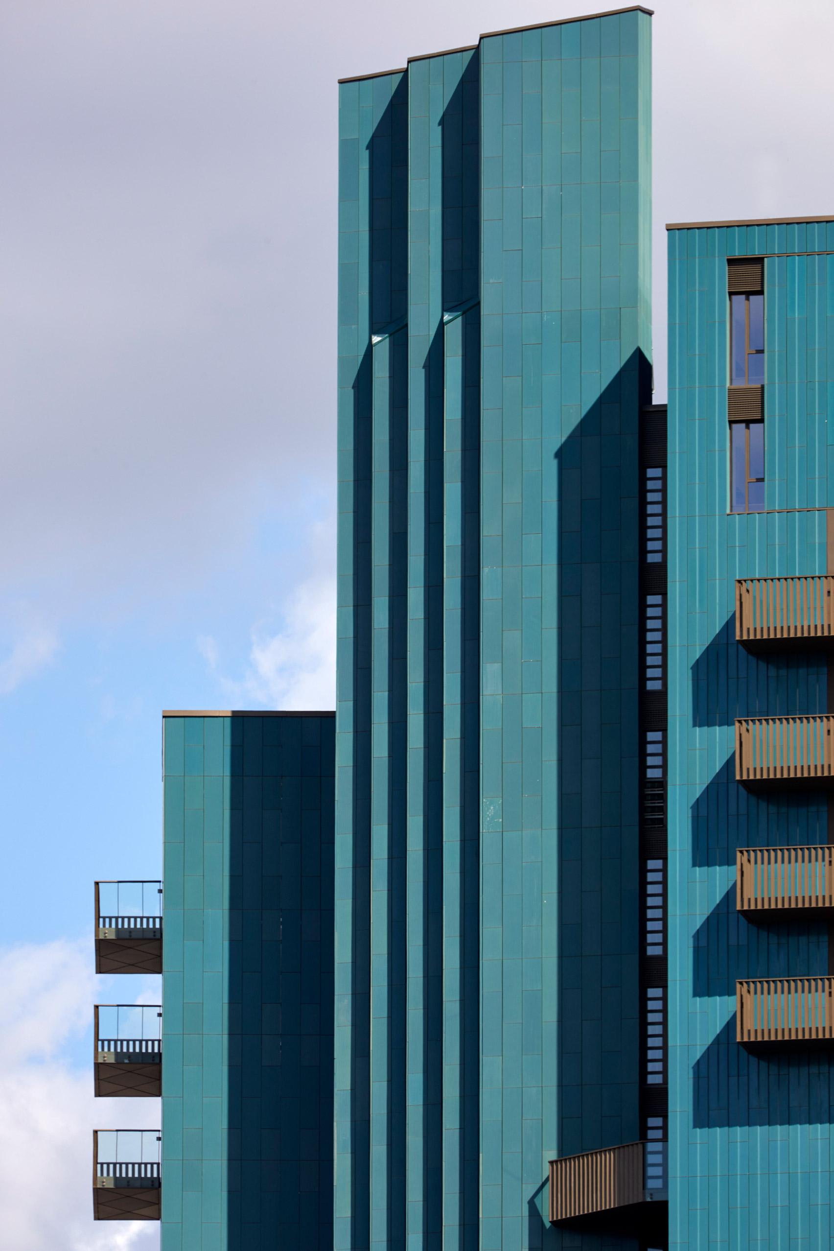 Mapleton Crescent by Metropolitan Architects